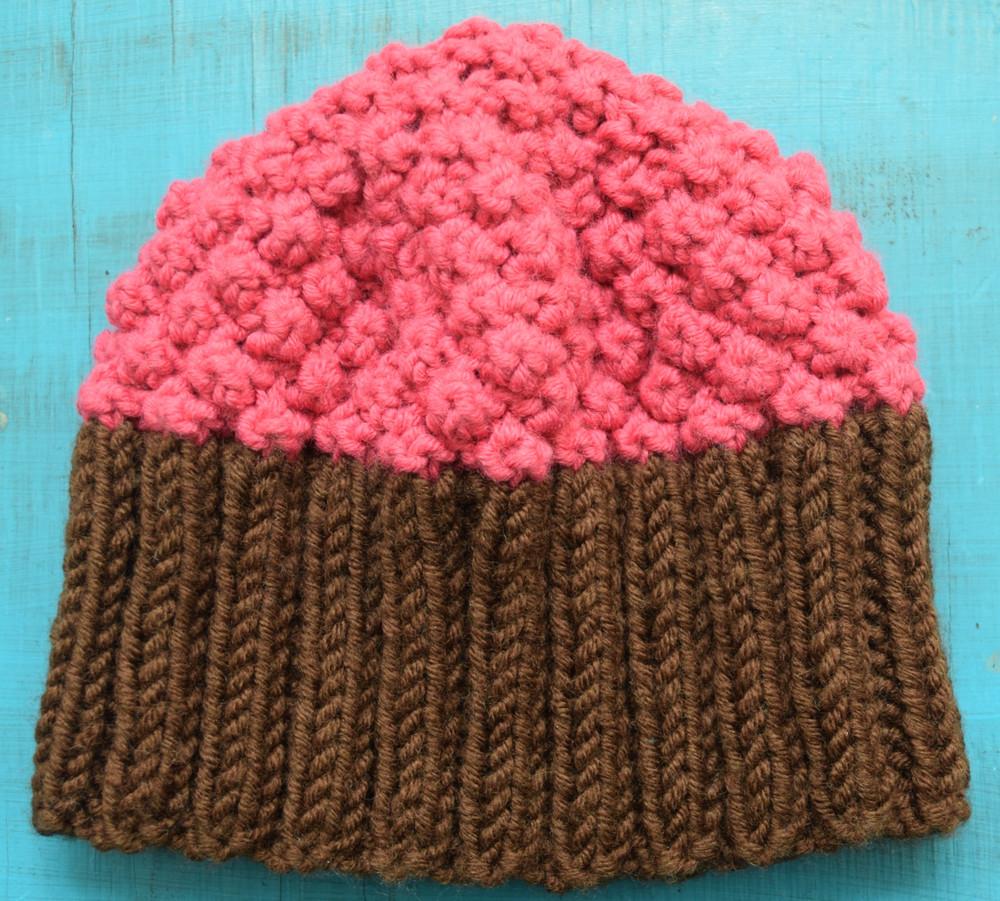 Knitting Pattern Cupcake Beanie : Cupcake Hat AllFreeKnitting.com
