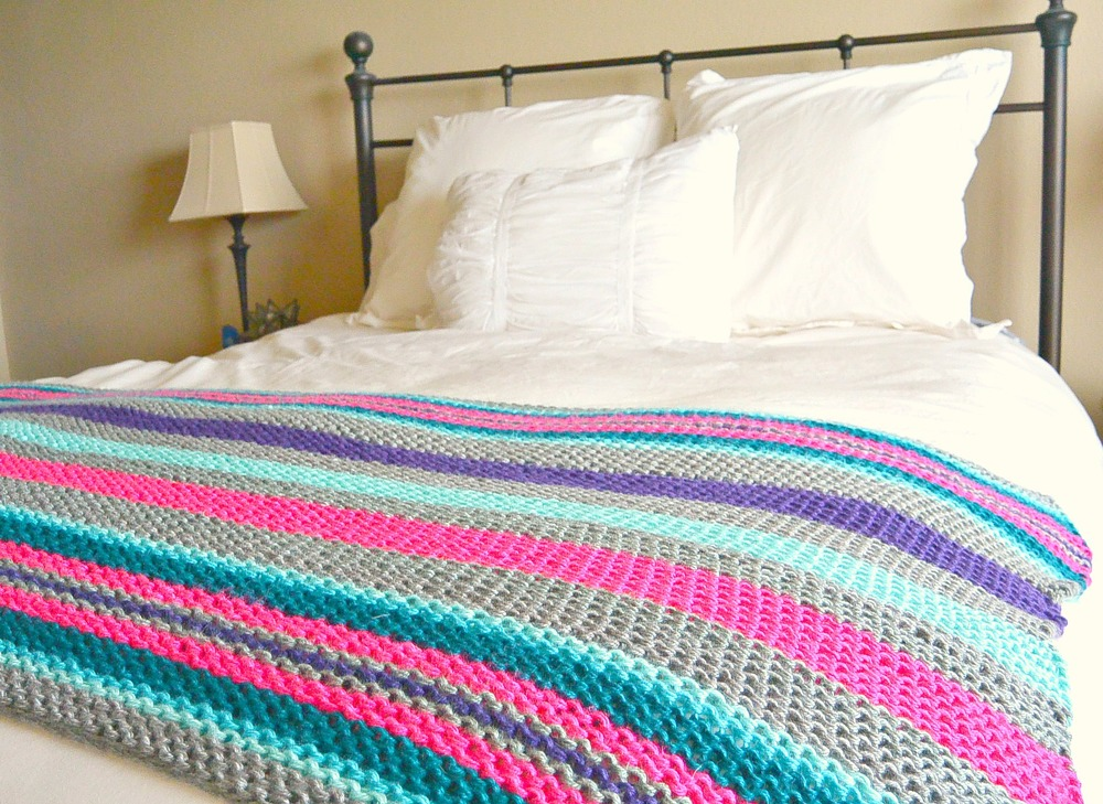 Knitting Blankets : Native stripes knit blanket pattern favecrafts