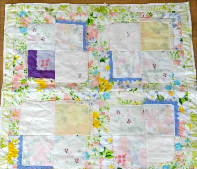 Free Quilt Patterns For Dummies : Vintage Hankies Baby Quilt Pattern AllFreeSewing.com