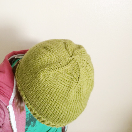 Simple Hat Knitting Pattern In The Round : Quick Stockinette Stitch Hat AllFreeKnitting.com