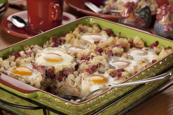 Healthy Crock-Pot Breakfast Casserole Can't ever make up your mind at the diner? All the breakfast faves are in this one casserole: eggs, hash browns, bacon, and lots of veggies.