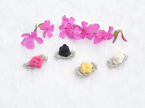 http://irepo.primecp.com/2015/06/225105/Tiniest-Ever-Crochet-Flower-Buds_Large500_ID-1051047.jpg?v=1051047