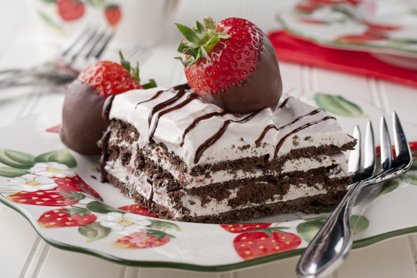 Strawberry Chill Icebox Cake