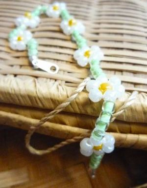Daisy Chain Beaded Bracelet Pattern
