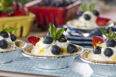 No-Bake Lemonade Cheesecakes