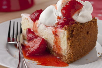 Double Strawberry Swirl Cheesecake