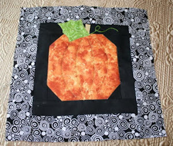 Easy Pumpkin Quilt Block Pattern Favequilts Com