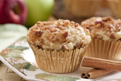 Fresh Apple Cinnamon Muffins