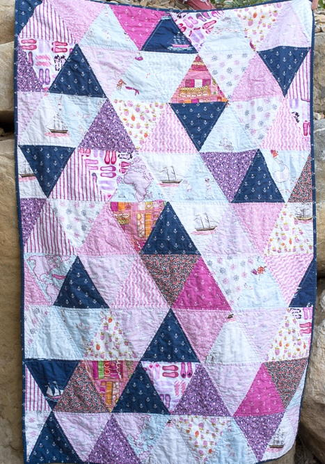 College Dorm Triangles Quilt Favequilts Com