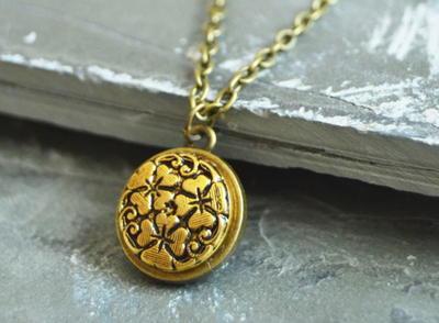 Vintage Button DIY Necklace