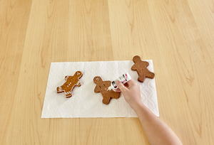 Gingerbread Cookie Garland