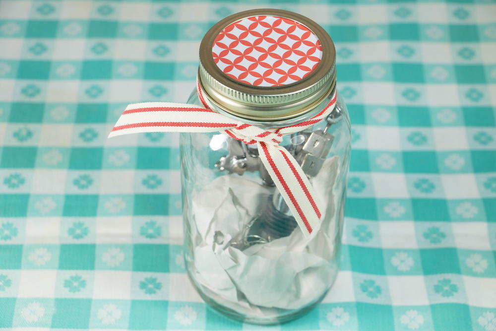 Wine lover 39 s gift in a jar for Gift ideas for craft lovers