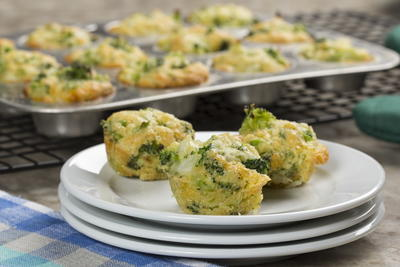 Broccoli Cornbread Mini Muffins