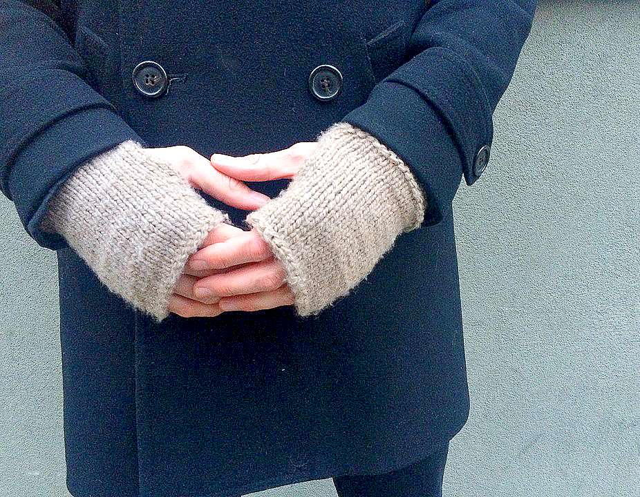 Men S Modern Knit Fingerless Mitts Allfreeknitting Com