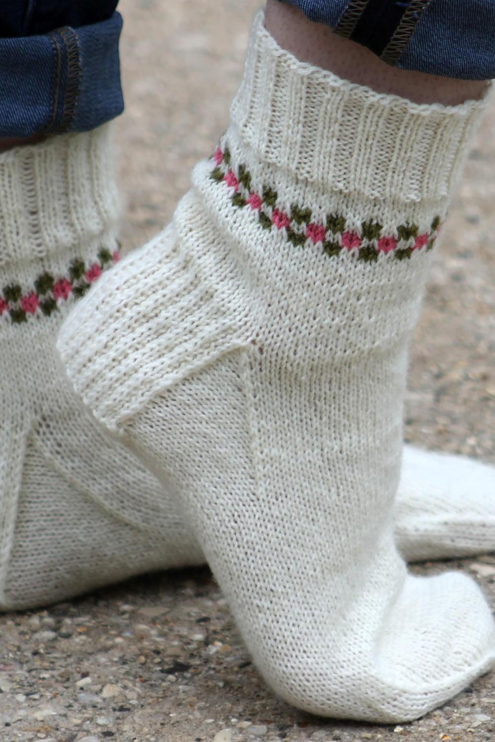 Pansy Path Knit Sock Pattern Allfreeknitting Com