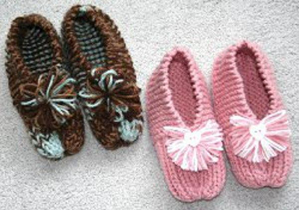 Free Slipper Knitting Patterns : How to Knit Grandmas Knitted Slippers: Free Knitting Pattern FaveCraft...