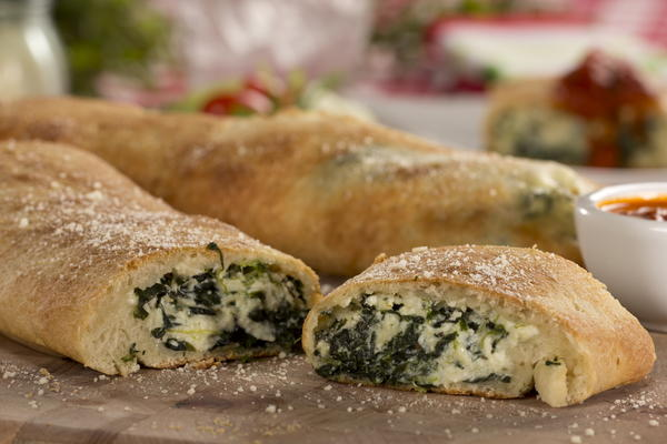Spinach and Cheese Stromboli | MrFood.com