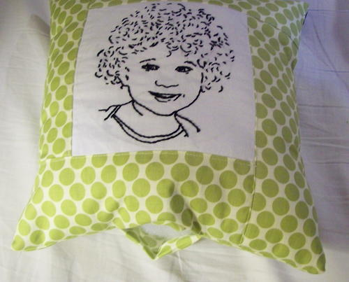 Embroidered envelope pillow allfreesewing