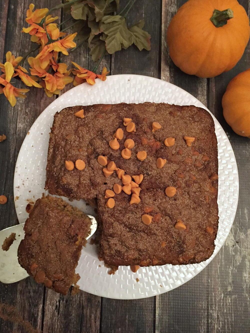 Spiced Pumpkin Dump Cake Thebestdessertrecipes Com