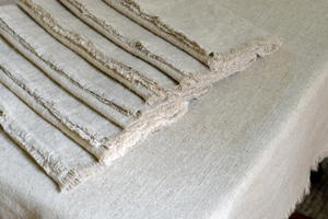 DIY Linen Tablecloth and Napkins