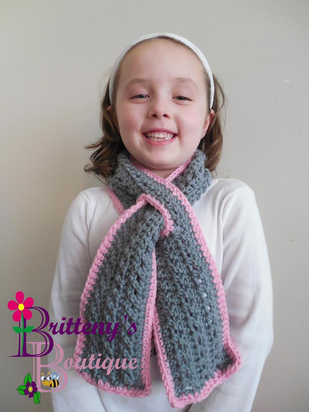 Girls Scarf Knitting Pattern : Little Ones Keyhole Scarf AllFreeCrochet.com