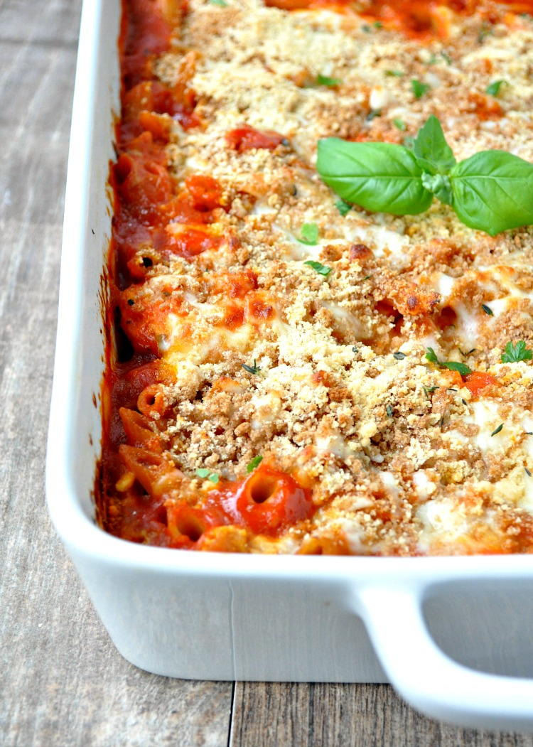 Dump And Bake Skinny Chicken Parmesan Casserole
