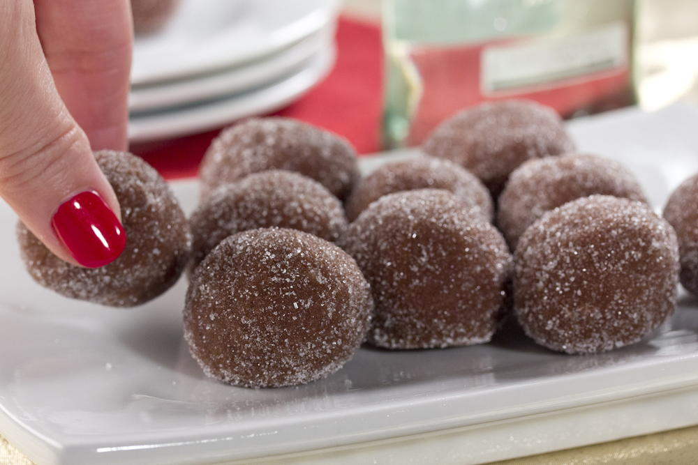 Dolly 39 s rum balls for Traditional christmas candy recipes