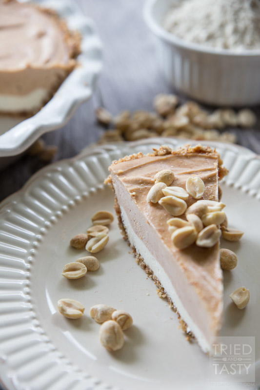 Frozen Peanut Butter & Cream Cheese Pie | RecipeLion.com