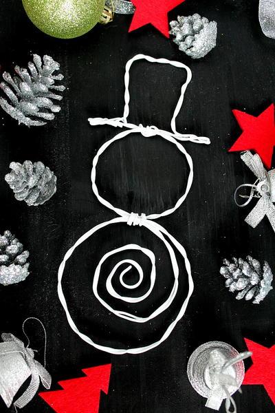 Cute diy wire snowman allfreeholidaycrafts