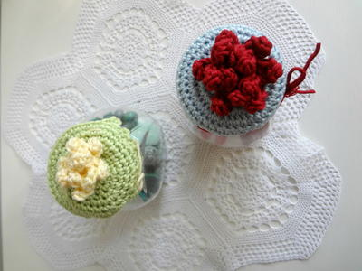 Crochet Patterns Jar Lids : Quick Crochet Jar Lid Cover AllFreeCrochet.com