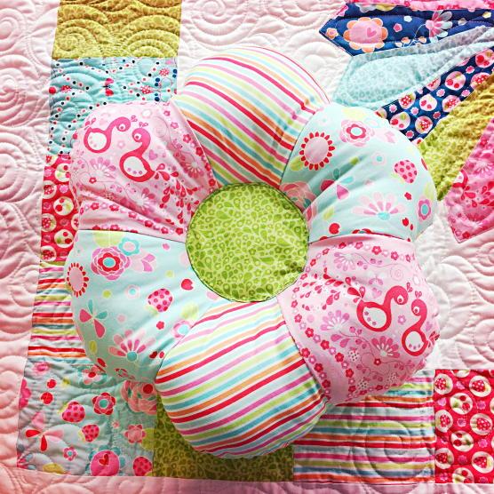 Flower Shaped Pillow Allfreesewing Com
