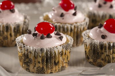 EDR Lighter Banana Split Cupcakes