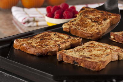 Old-Fashioned Cinnamon-Raisin French Toast