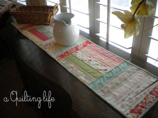 Sweet Spring Quilted Table Runner Favequilts Com