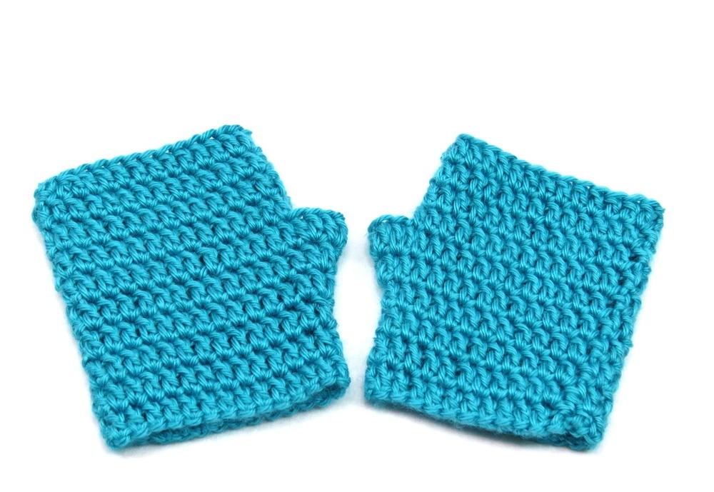 Easy Crochet Fingerless Gloves AllFreeCrochet.com