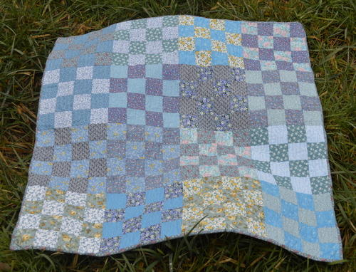 Blue River Baby Quilt Pattern Favequilts Com