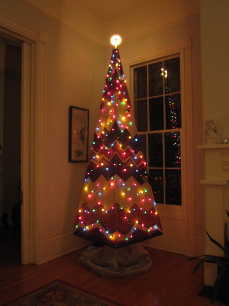 Decorate A Large Christmas Tree