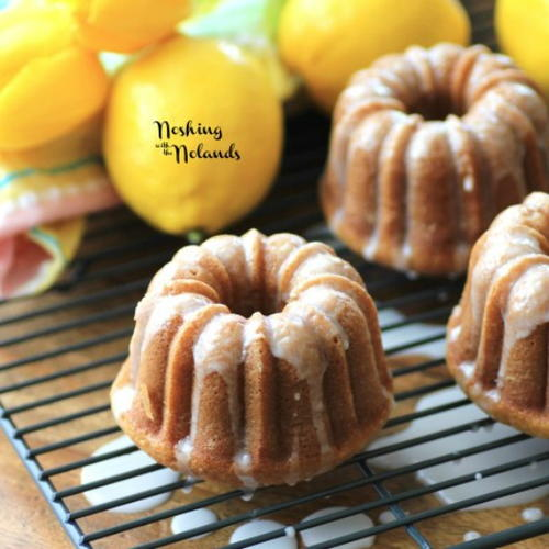 Praline glazed apple bundt cake for Easy bundt cake recipes from scratch