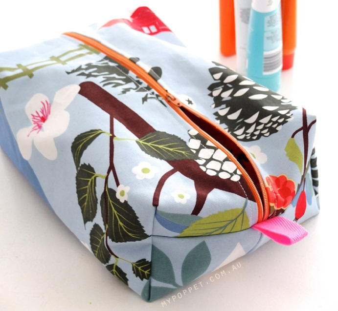 Pampered Momma Cosmetic Bag Pattern Allfreesewing Com
