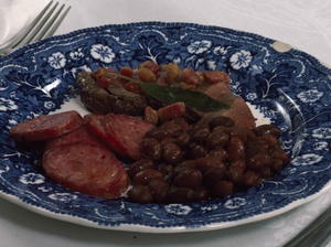 Baked Beans with Black Duck Breasts and Lingui?a Sausages