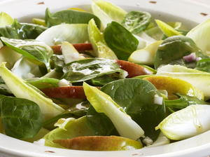 Spinach, Pear, and Endive Salad