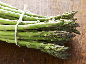 Roasted Asparagus and Creamy Cheese Sauce