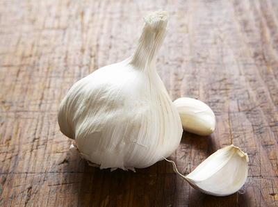 Braised Chicken with Garlic and Fennel | Cookstr.com