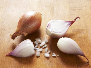 Shallots Preserved in Red Wine