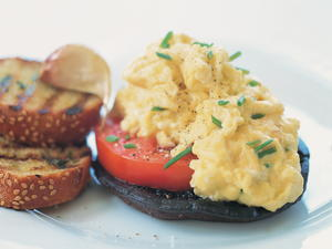 Pan-Seared Portobello Mushroom and Tomato Topped with Chive-Laced Scrambled Eggs