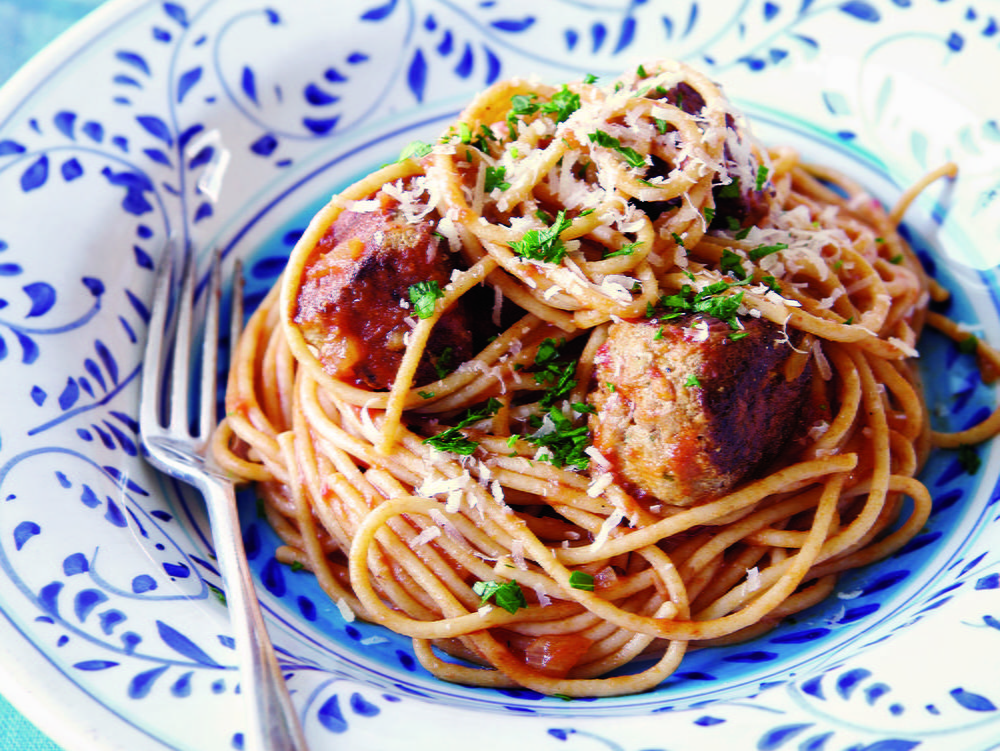 Spaghetti with Turkey Meatballs in Spicy Tomato Sauce ...
