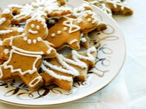 20+ Easy Christmas Recipes: Christmas Dinner Ideas and Holiday Dessert Recipes