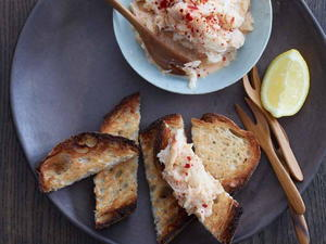 Crab Toasts with Sriracha Mayonnaise