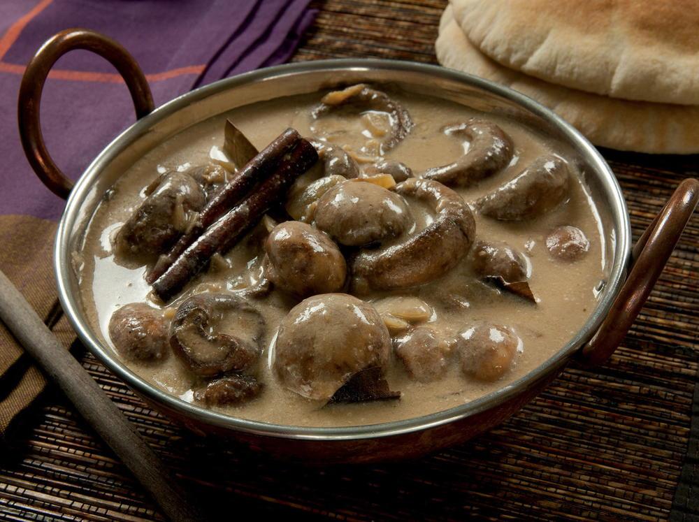 Mushrooms in Cashew Cream Sauce | Cookstr.com