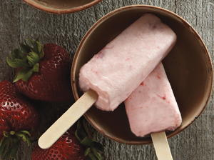 Strawberry Lassi Ice Pops